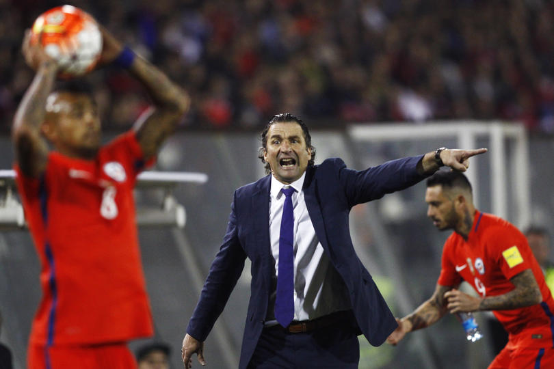 Pizzi es ratificado en su cargo como seleccionador chileno