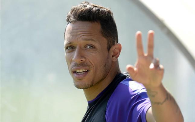 Adriano recuerda su salida del Barcelona