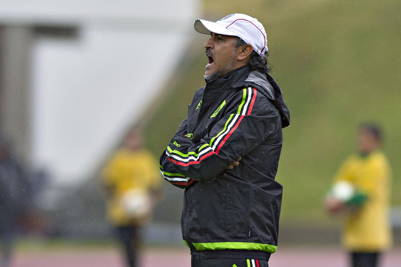Luego de quedar desligado de las Selecciones Nacionales y tener en mente dirigir a un club, Raúl Gutiérrez fue cuestionado sobre una posible llegada a Cruz Azul, que aún mantiene a Tomás Boy como entrenador.