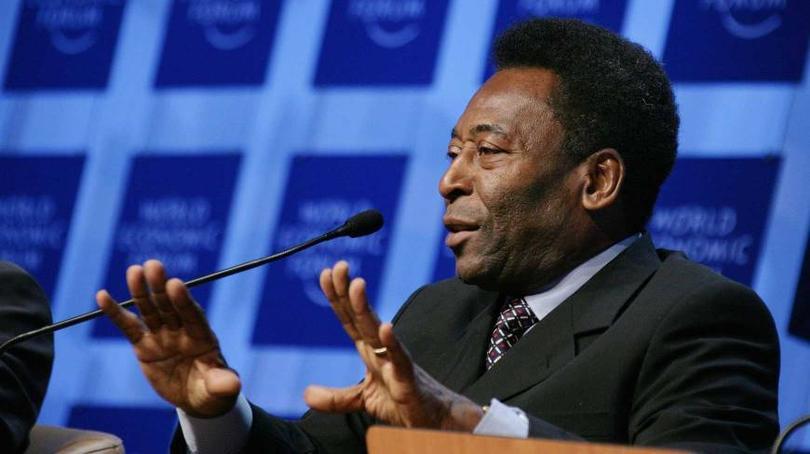 El Santos de Brasil decidió que el contrato vitalicio que lo unía a la compañía Sport 10 Licenciamentos, dueña de la imagen de Pelé, finalizara.