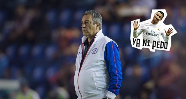 Boy se despidió de sus jugadores antes de salir del Cruz Azul.