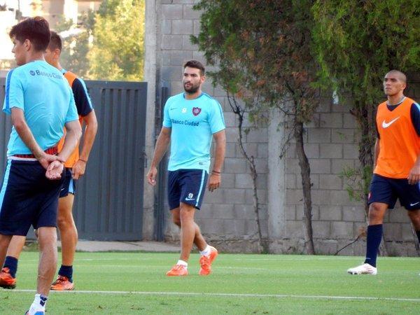 Pumas espera poder reforzarse para la siguiente temporada. El equipo universitario intentará hacerse de los servicios de un delantero en el mercado de invierno.