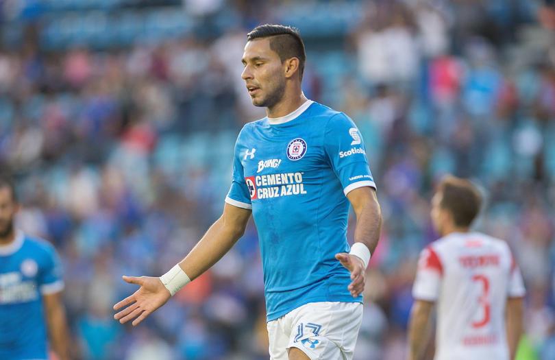 Aún sin finalizar el Apertura 2016, Rayados ya piensa en generar competencia en la delantera del equipo, por lo que tendría tres nombres en lista.