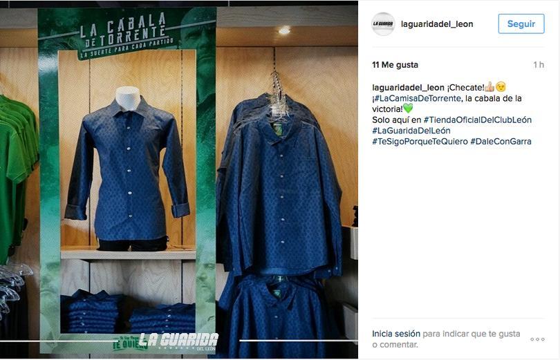 La cábala del Técnico Javier Torrente con respecto a su camisa, ya se convirtió en objeto de marketing.