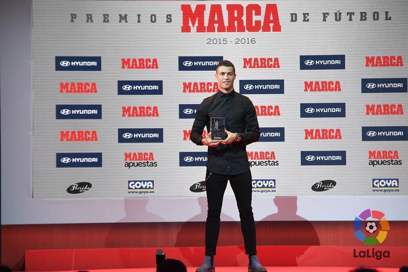 Cristiano Ronaldo ganó el premio al mejor jugador de la temporada