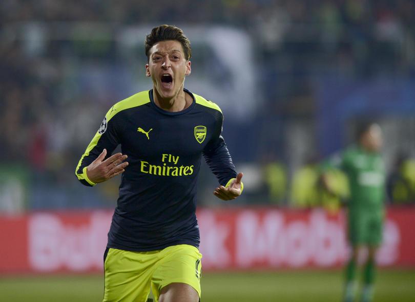 """Mourinho considera a Özil como el mejor """"10"""" actualmente."""