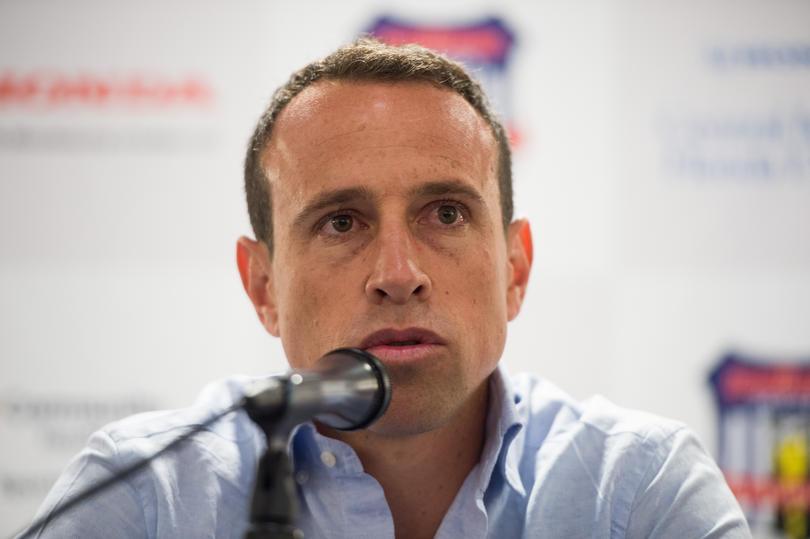 Gerardo Torrado exjugador de Cruz Azul, no olvida al equipo aún jugando en Estados Unidos, el mediocampista lamentó que el equipo tenga cinco torneos sin Liguilla y aseguró que es necesario cambiar muchas cosas.