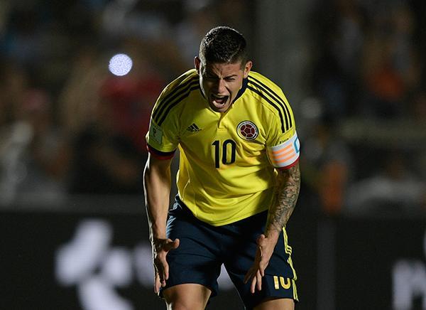 James Rodríguez explotó contra Mercado y el árbitro central