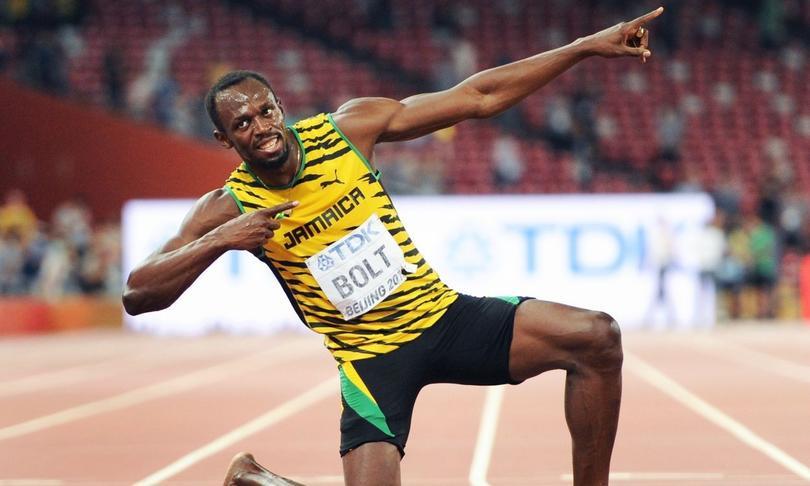 Usain Bolt demuestra que también sabe rapear.
