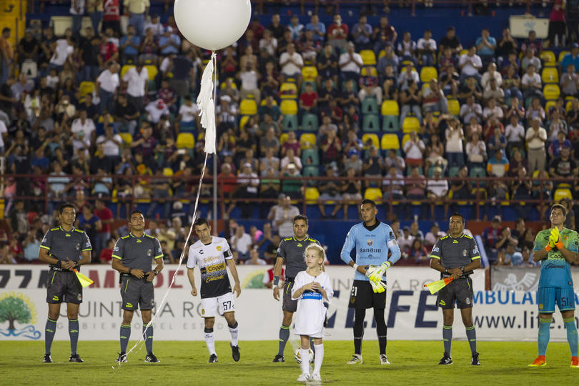 Atlante y Dorados brindaron un homenaje al Chapecoense en la final del Ascenso MX