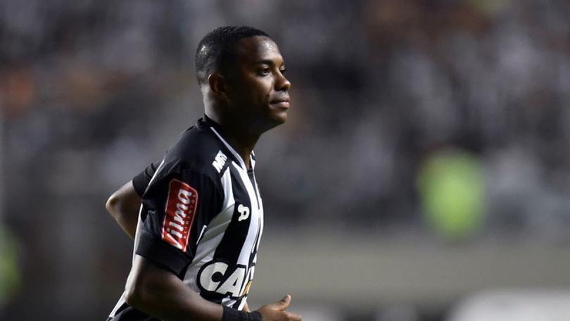 El Atlético Mineiro de Robinho se negó a jugar el partido contra el Chapecoense de la última jornada del Brasileirao, luego de que la Confederación Brasileña de Futbol anunciara que se tenía que jugar el partido.