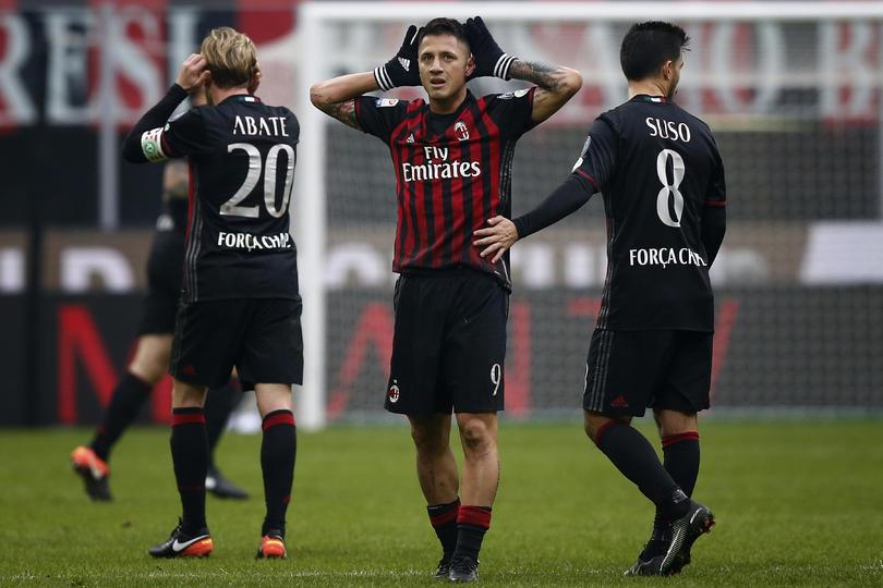 Aplazan tres meses la venta del Milan