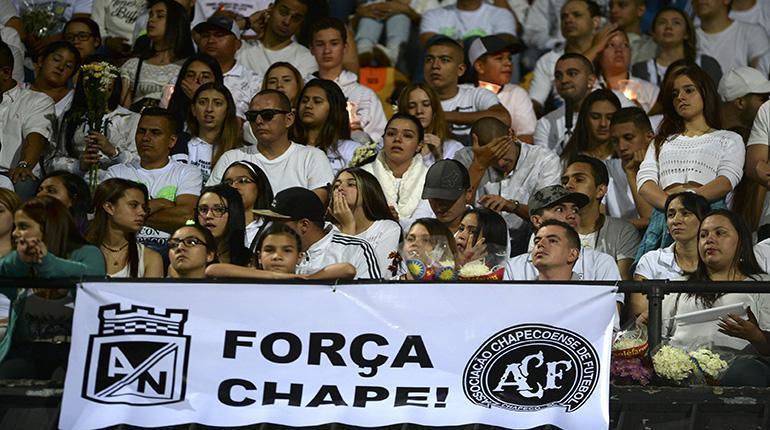 El Maracaná y el Couto Pereira se unieron para recordar al Chapeco