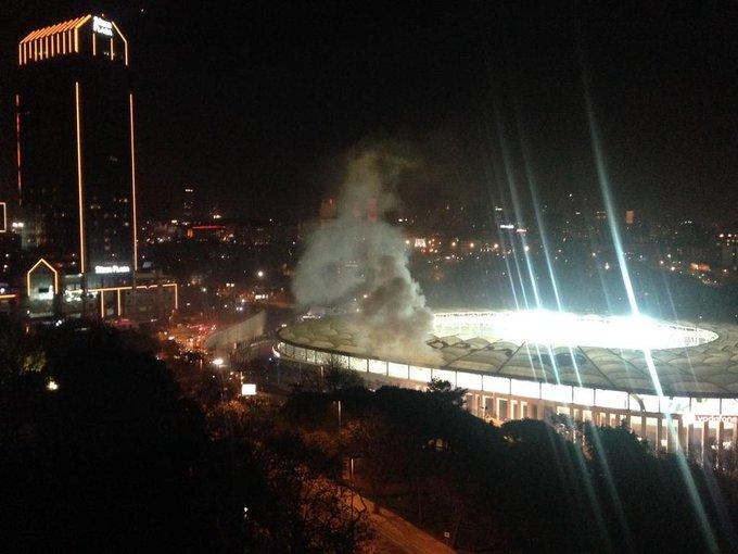 Bombazo fuera del estadio del Besiktas