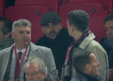 Pep Guardiola sigue el Liverpool 0-1 Stokecity en Anfield.