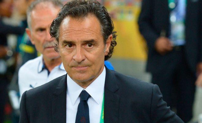 Cesare Prandelli, exentrenador del Valencia, habló tras su salida del equipo y aseguró que le habían prometido cuatro fichajes y finalmente la directiva sólo le permitía uno.