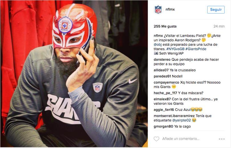 La cuenta de NFL México subió una foto en la que se aprecia al receptor con una peculiar máscara