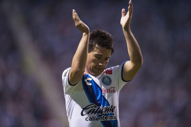 Matías Alustiza salvó en repetidas ocasiones al Puebla de actuaciones desastrosas.