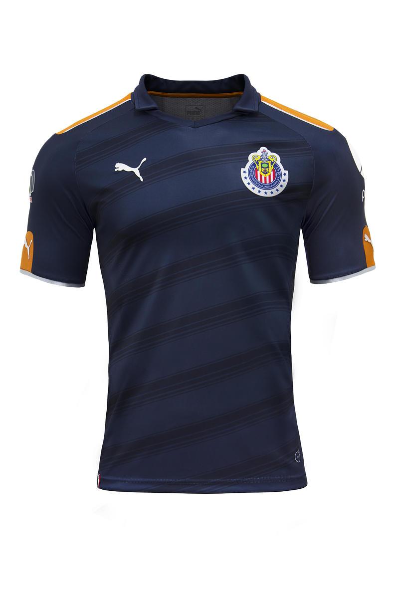cbbe6683ca2 Tercer jersey Chivas