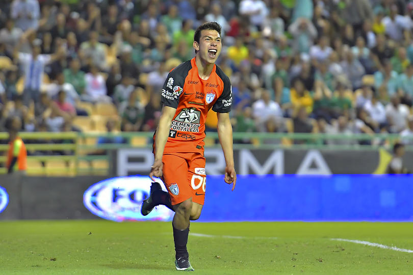 Hirving el Chucky Lozano estaría en la mira del Ajax de Holanda y tendrían preparada una oferta para llevarse al jugador del Pachuca.