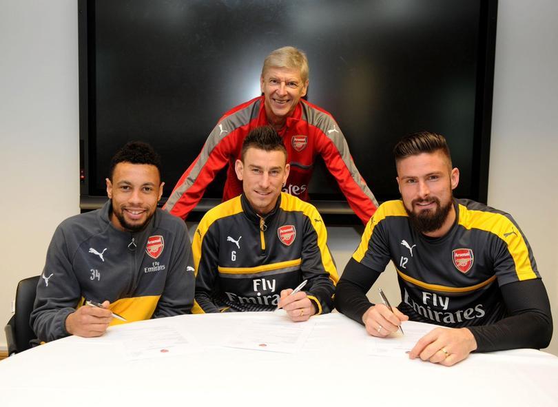 Giroud, Koscielny y Coquelin renovaron con el Arsenal