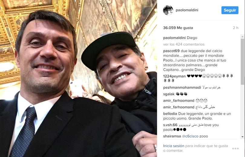 Paolo Maldini con Maradona