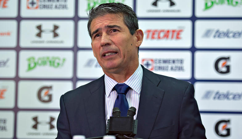 Peñalba también está siendo investigado por supuestamente escupirle a un jugador de Pumas.