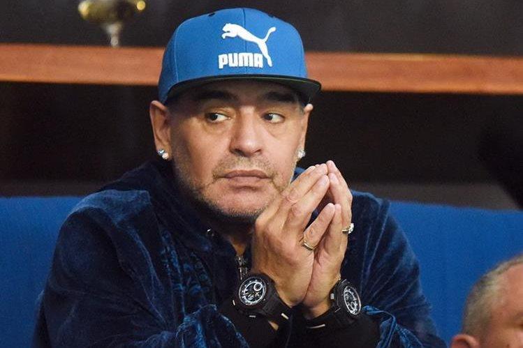 En una entrevista, Maradona aceptó que la primera vez que consumió drogas fue cuando jugaba en el Barça a sus 24 años, aceptó que estaría muerto si hubiera seguid ingiriendo y que Icardi es un traidor por casarse con la exmujer de Maxi López.