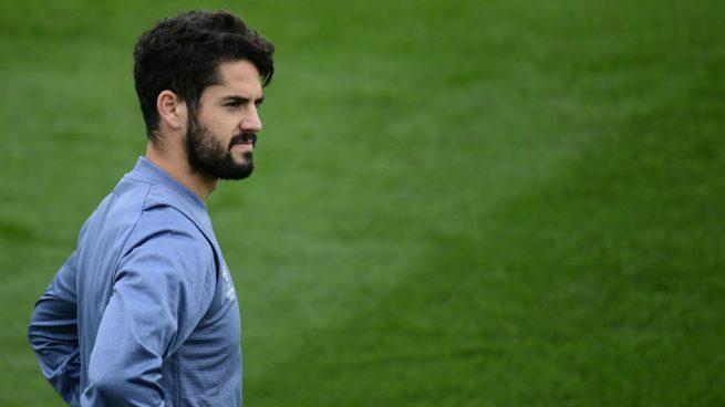 Por ahí andan diciendo que Isco no está a gusto en el Madrid y que en una de esas el Barcelona se apunta para ficharlo.