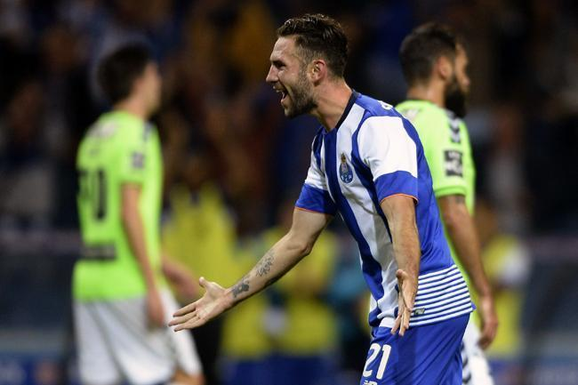 Miguel Layún a China