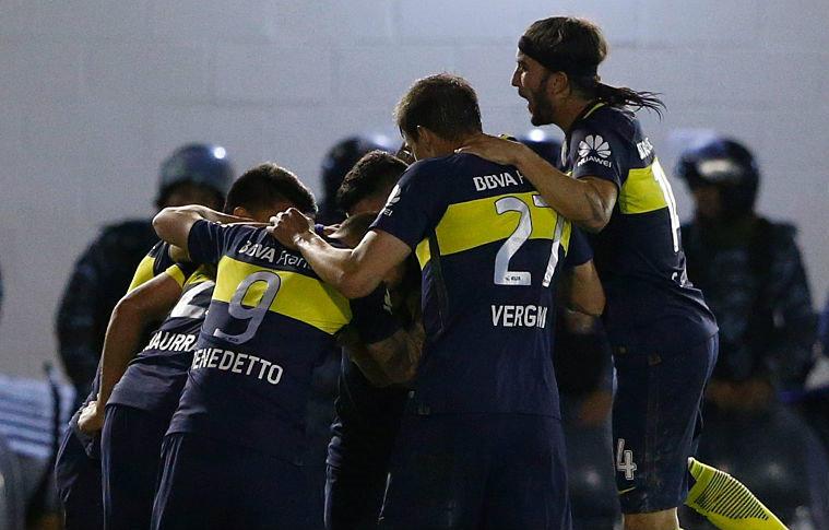 Dos jugadores de Boca se agarraron a golpes en el entrenamiento