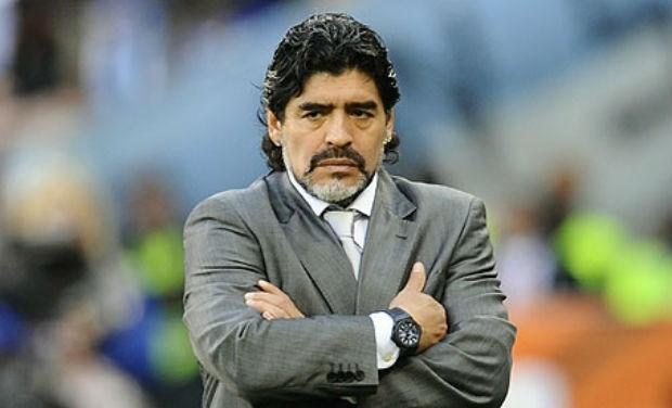La policía interrogó a Maradona luego de que su novia lo denunciara por una agresión