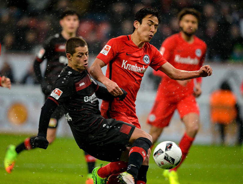 Chicharito es el líder de las apuestas para el gol 50,000 de la Bundesliga
