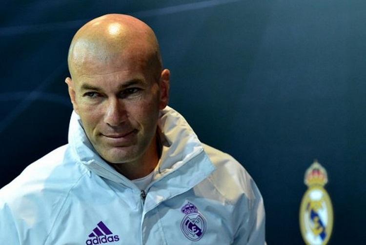 Zidane dio a conocer la lista de convocados para este fin de semana para jugar contra el Espnayol en el Bernabéu y guardó jugadores pensando en que será más complicado jugar contra el Valencia uno de sus partidos aplazados entre semana.