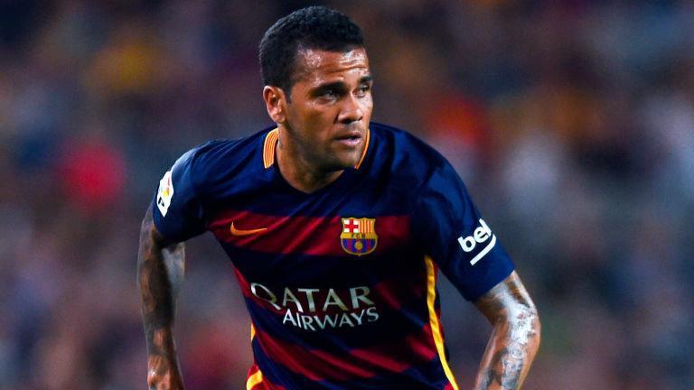 Dani Alves habló sobre la directiva del Barcelona
