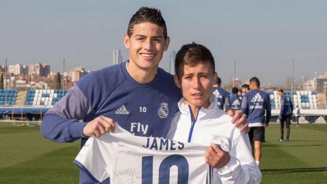 El niño que ayudó a los del Chapecoense visitó al Real Madrid