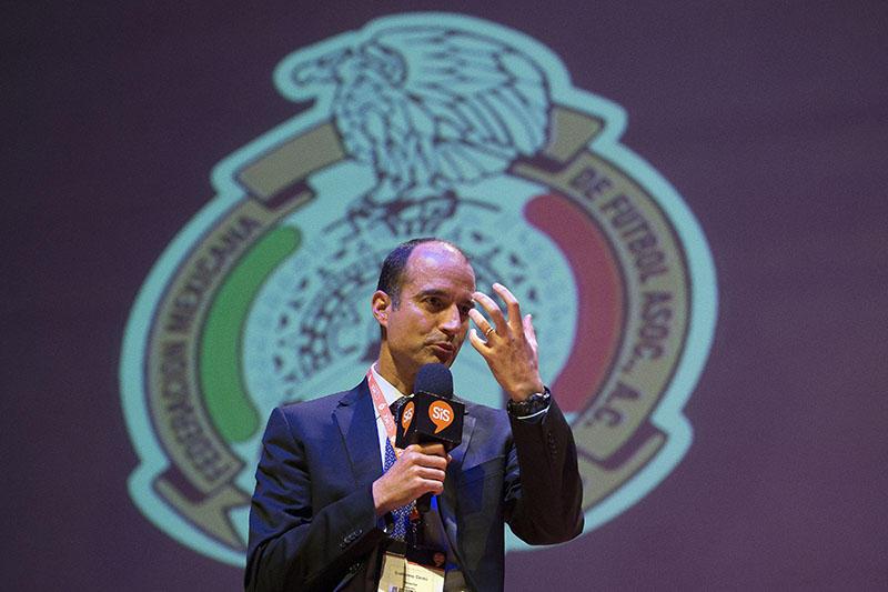 Guillermo Cantú, secretario general de la Federación Mexicana de Futbol