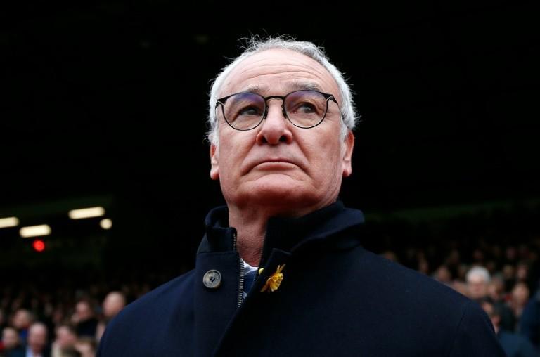 Después de la salida de Ranieri del Leicester y que se especulara con que los jugadores habían pedido su salida, Craig Shakespeare, sustituto del italiano, dijo en rueda de prensa que no fue así.