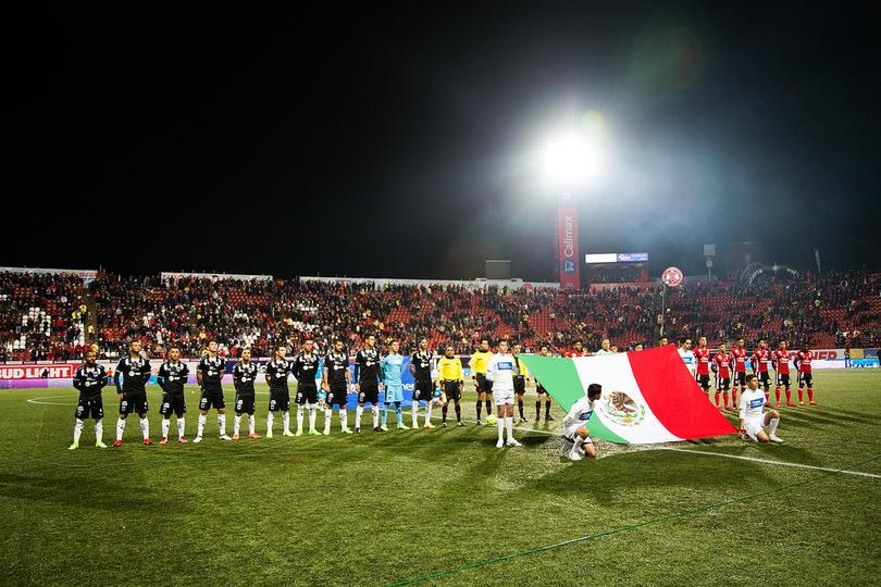 Edwin Cardona saludó a la bandera mexicana
