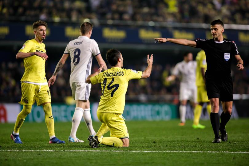 Polémica por el Real Madrid - Villarreal; el árbitro salió con bolsas de regalo del Madrid