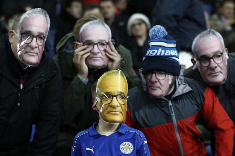 El público del Leicester no olvida a Claudio Ranieri