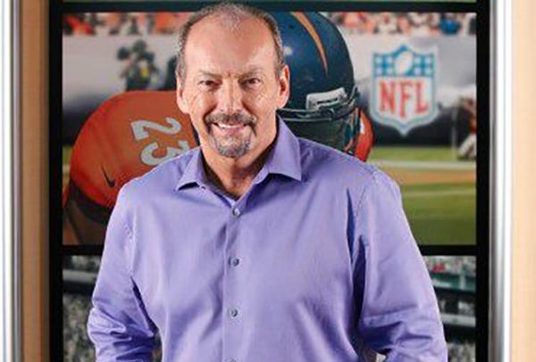 Peter Moore, de EA Sports llega al Liverpool