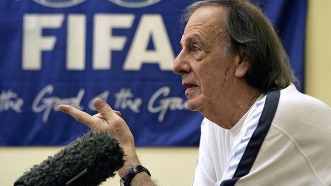 César Luis Menotti, ex técnico de Argentina y del Barcelona