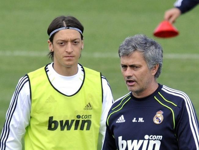 Mourinho y Özil en el Real Madrid