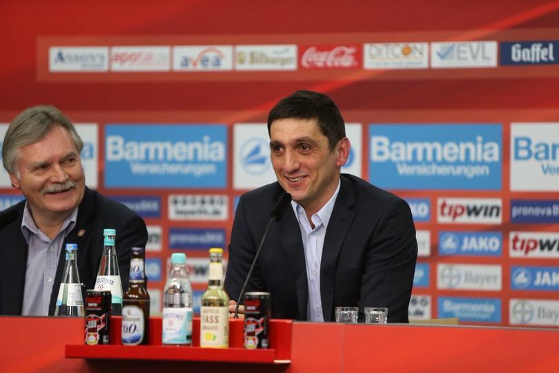 Tayfun Korkut es el nuevo entrenador del Leverkusen