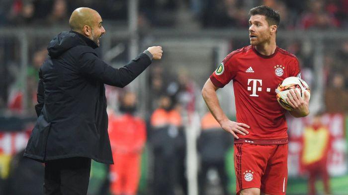 A penas anunció su retiro del futbol Xabi Alonso pero Guardiola ya lo está candidateando para se entrenador y hasta dijo que es uno de los mejores centrocampistas del mundo.