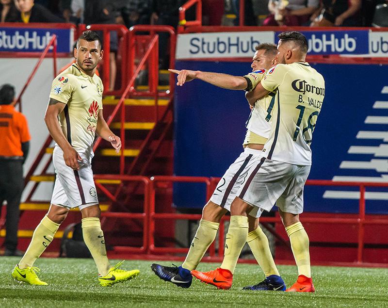 Pablo Aguilar en el partido ante Xolos donde agredió al árbitro