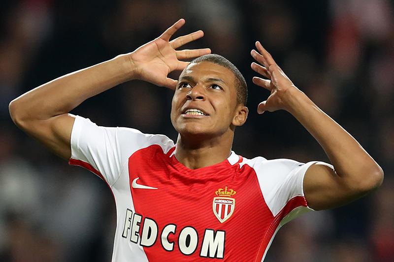 Kylian Mbappé, el jugador más joven que debuta con el Mónaco