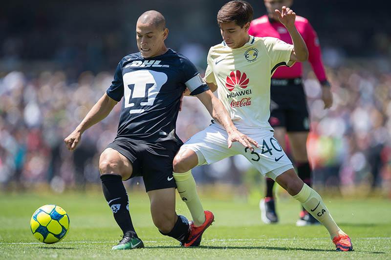 Diego Lainez jugó su primer partido como titular con América ante Pumas