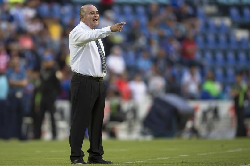 Después de que Veracruz está dando lástima en el último de la porcentual y además porque Reinoso ya no es el entrenador del equipo, tienen nuevo entrenador.